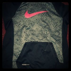 Other - Nike pullover